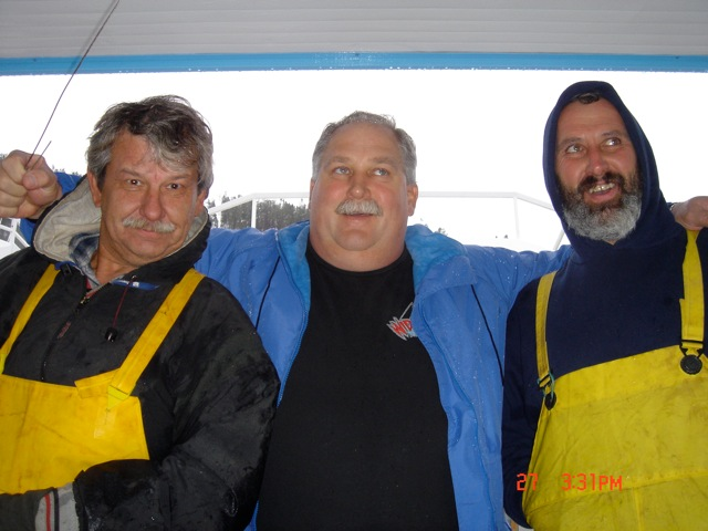 JERRY, BRUCE AND KARL MINDING THE BOATS :)